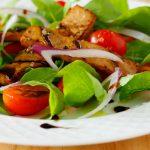 arugula salad pepper grilled tofu